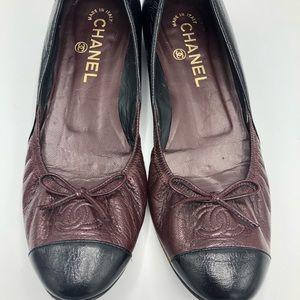 CHANEL Shoes - Chanel Cc Cap-toe Flats